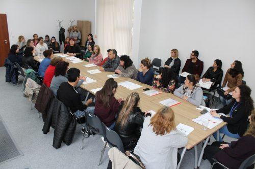 """Кръгла маса на тема  """"Добри резултати при работа с младежи в риск в местната общност"""""""