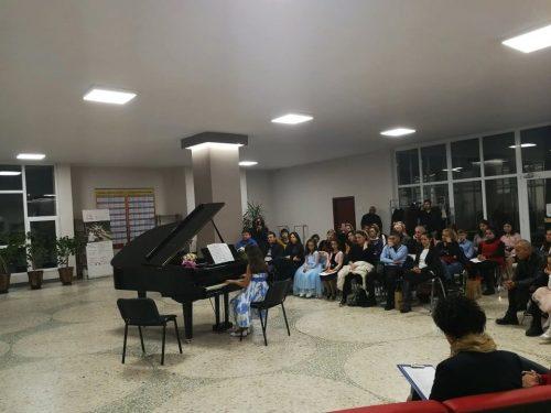 Музикален салон 4